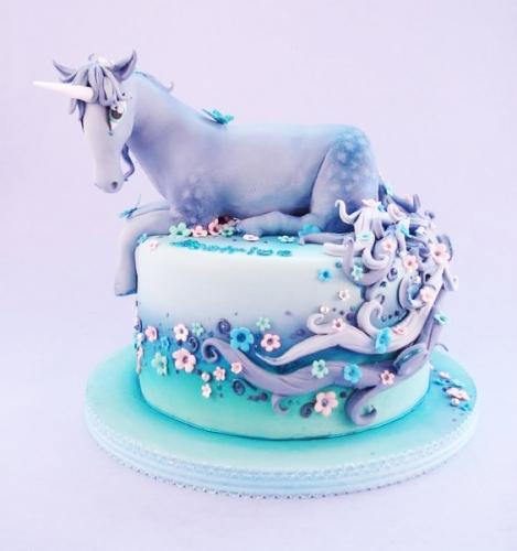 04-detskiy-tort-na-11-let-devochke