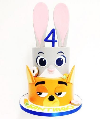05-detskiy-tort-na-4-goda-devochke