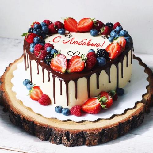 06-tort-serdce-na-den-vlyublennyh