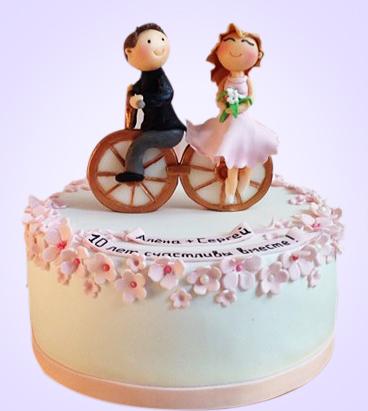 07-svadebnyj-tort-s-figurkami