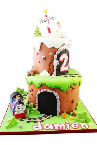 08-detskiy-tort-na-2-goda-malchiku