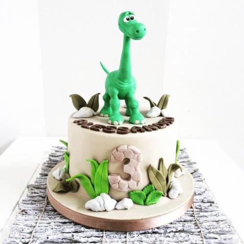 09-detskiy-tort-na-3-goda-malchiku