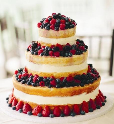 11-svadebnyj-tort-s-yagodami