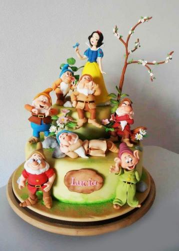 13-detskiy-tort-na-9-let-devochke