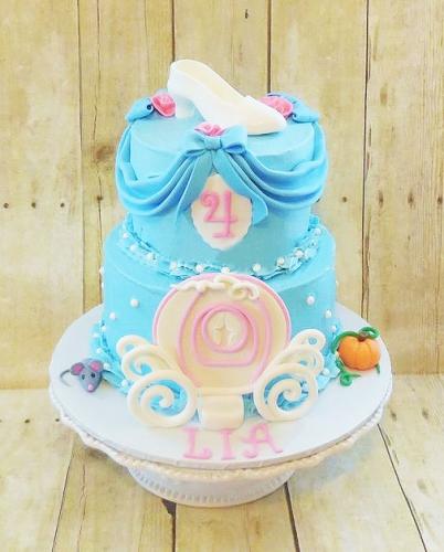 15-detskiy-tort-na-4-goda-devochke