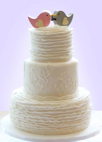 16-belyj-svadebnyj-tort