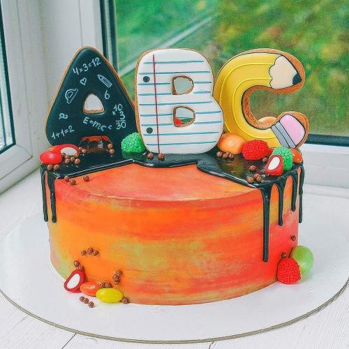 17-tort-na-vypusknoj-nebolshoj
