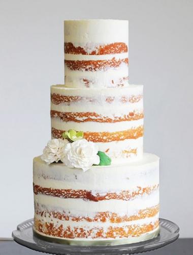 17-yagodnyj-svadebnyj-tort