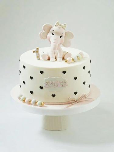 19-detskiy-tort-na-1-god-devochke