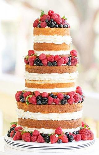 19-svadebnyj-tort-s-yagodami