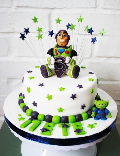 20-detskiy-tort-na-3-goda-malchiku